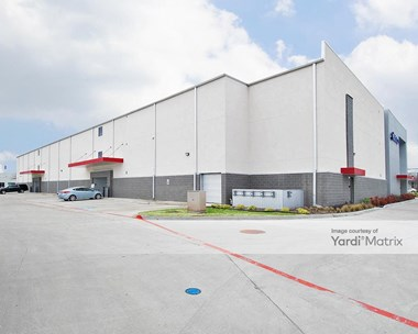 Storage Units for Rent available at 1010 Jupiter Road, Plano, TX 75074 Photo Gallery 1