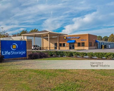 Storage Units for Rent available at 5226 Nansemond Pkwy, Suffolk, VA 23435 Photo Gallery 1