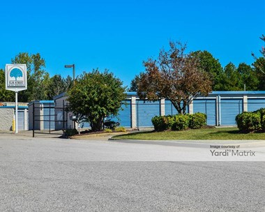 Storage Units for Rent available at 602 Elm Court, Hopewell, VA 23860 Photo Gallery 1