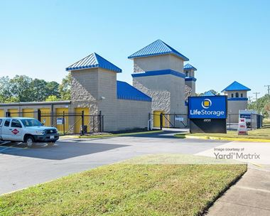 Storage Units for Rent available at 4929 Shell Road, Virginia Beach, VA 23455 Photo Gallery 1