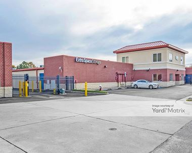 Storage Units for Rent available at 25 Tyler Avenue, Newport News, VA 23601 Photo Gallery 1