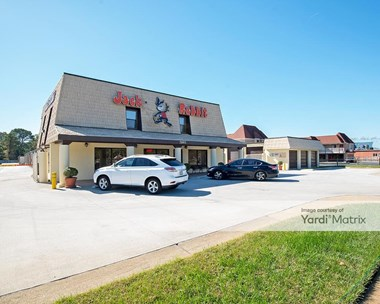 Storage Units for Rent available at 5185 Shore Drive, Virginia Beach, VA 23455 Photo Gallery 1