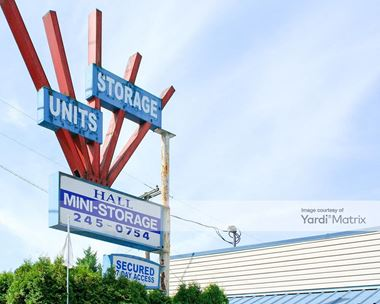 Storage Units for Rent available at 10015 SW Hall Blvd, Tigard, OR 97223 Photo Gallery 1