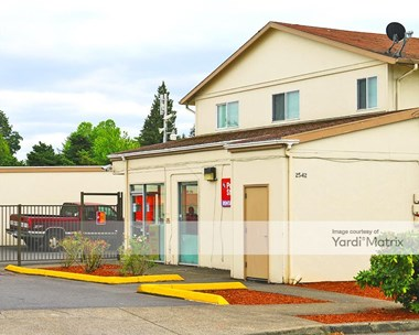 Storage Units for Rent available at 2542 SE 105Th Avenue, Portland, OR 97266 Photo Gallery 1