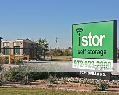 Storage Units for Rent available at 1021 Ovilla Road, Waxahachie, TX 75167 Photo Gallery 1