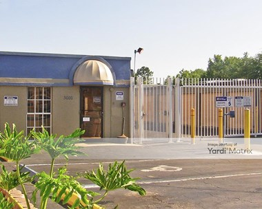 Storage Units for Rent available at 3000 West Columbus Drive, Tampa, FL 33607 Photo Gallery 1