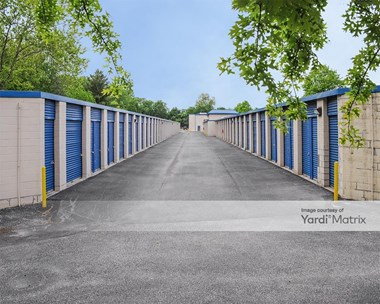 Storage Units for Rent available at 6100 Rossville Blvd, Essex, MD 21221 Photo Gallery 1