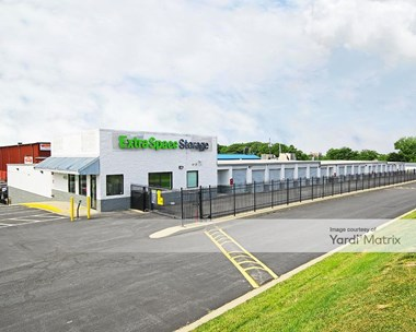 Storage Units for Rent available at 6821 Eastern Avenue, Baltimore, MD 21224 Photo Gallery 1
