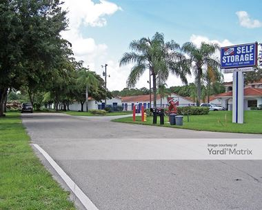 Storage Units for Rent available at 2555 NE Pine Island Road, Cape Coral, FL 33909 Photo Gallery 1