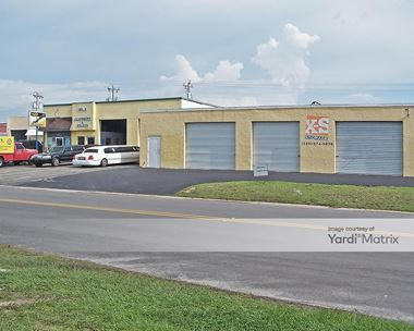 Storage Units for Rent available at 838 SE 9th Street, Cape Coral, FL 33990 Photo Gallery 1