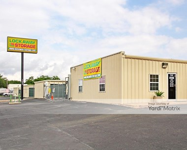 Storage Units for Rent available at 7095 Crestway, San Antonio, TX 78239 Photo Gallery 1