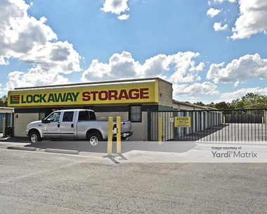 Storage Units for Rent available at 2235 South WW White Road, San Antonio, TX 78222 Photo Gallery 1