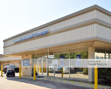 Storage Units for Rent available at 2300 Broadway Street, San Antonio, TX 78215 Photo Gallery 1