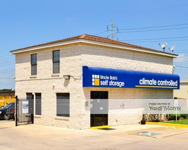 Storage Units for Rent available at 3615 North Foster Road, San Antonio, TX 78244 Photo Gallery 1