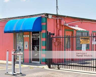 Storage Units for Rent available at 9415 North Interstate 35, San Antonio, TX 78233 Photo Gallery 1