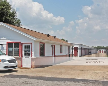Storage Units for Rent available at 3619 Avenue H, Rosenberg, TX 77471 Photo Gallery 1