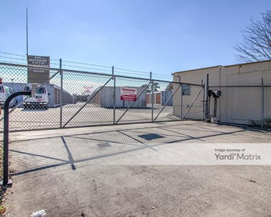 Storage Units for Rent available at 5819 Victory Drive, Houston, TX 77088 Photo Gallery 1