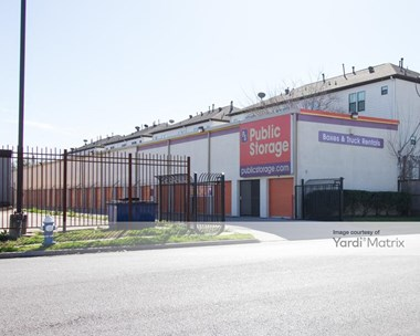 Storage Units for Rent available at 6336 Fairdale Lane, Houston, TX 77057 Photo Gallery 1