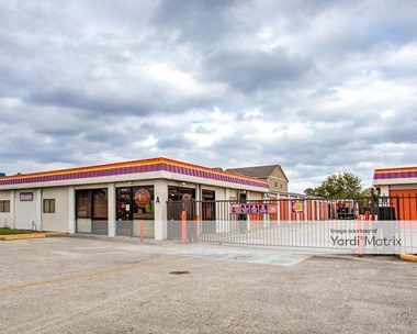 Storage Units for Rent available at 12670 Veterans Memorial Drive, Houston, TX 77014 Photo Gallery 1