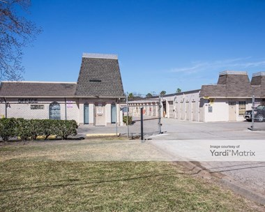 Storage Units for Rent available at 5512 South Willow Drive, Houston, TX 77035 Photo Gallery 1