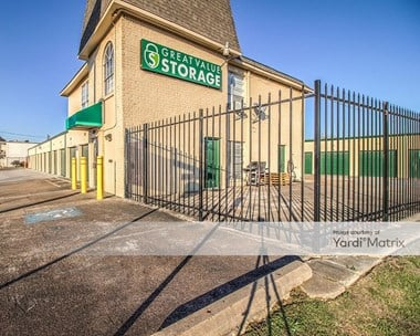 Storage Units for Rent available at 2150 Wirt Road, Houston, TX 77055 Photo Gallery 1