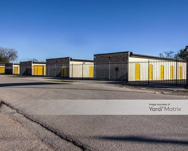 Storage Units for Rent available at 6117 Edgemoor Drive, Houston, TX 77081 Photo Gallery 1