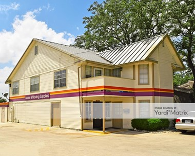 Storage Units for Rent available at 9529 Fredericksburg Road, San Antonio, TX 78240 Photo Gallery 1
