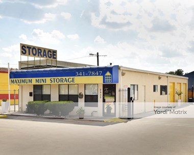 Storage Units for Rent available at 3835 West Avenue, San Antonio, TX 78213 Photo Gallery 1