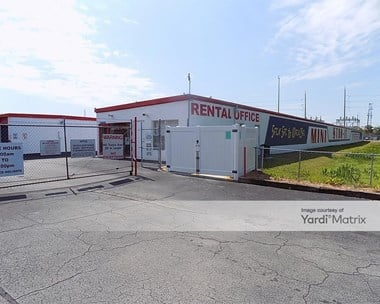 Storage Units for Rent available at 5024 South Manhattan Avenue, Tampa, FL 33611 Photo Gallery 1