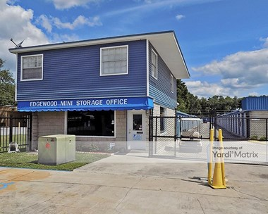 Storage Units for Rent available at 2200 East Edgewood Drive, Lakeland, FL 33803 Photo Gallery 1