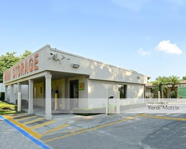 Storage Units for Rent available at 6325 Edgewater Drive, Orlando, FL 32810 Photo Gallery 1