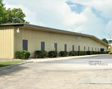 Storage Units for Rent available at 807 North Cocoa Blvd, Cocoa, FL 32922 Photo Gallery 1