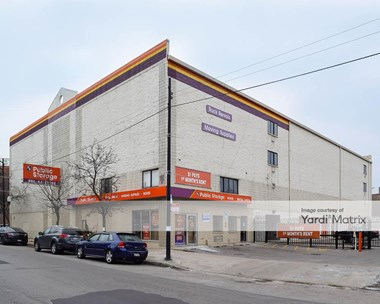 Storage Units for Rent available at 4072 North Broadway Street, Chicago, IL 60613 Photo Gallery 1