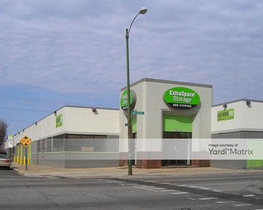 Storage Units for Rent available at 2244 South Western Avenue, Chicago, IL 60608 Photo Gallery 1