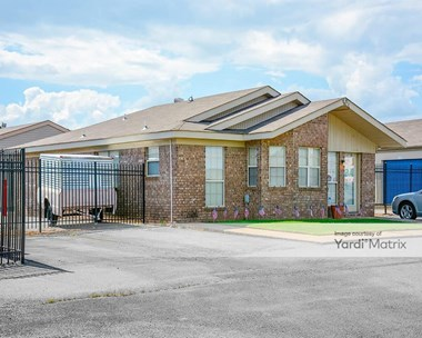 Storage Units for Rent available at 1325 North Museum Road, Conway, AR 72032 Photo Gallery 1