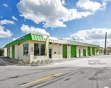 Storage Units for Rent available at 3595 NE 5Th Avenue, Oakland Park, FL 33334 Photo Gallery 1
