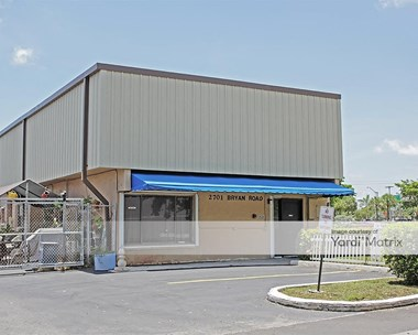 Storage Units for Rent available at 2701 Bryan Road, Hallandale Beach, FL 33009 Photo Gallery 1
