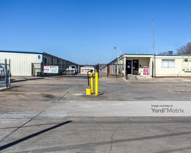 Storage Units for Rent available at 6450 A Spellman Road, Houston, TX 77096 Photo Gallery 1
