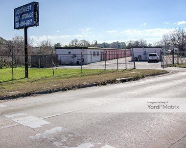 Storage Units for Rent available at 9904 North Houston Rosslyn Road, Houston, TX 77088 Photo Gallery 1