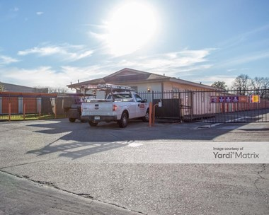 Storage Units for Rent available at 5707 Bingle Road, Houston, TX 77092 Photo Gallery 1