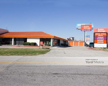 Storage Units for Rent available at 9811 North Fwy, Houston, TX 77037 Photo Gallery 1
