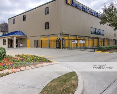 Storage Units for Rent available at 5425 Katy Fwy, Houston, TX 77007 Photo Gallery 1