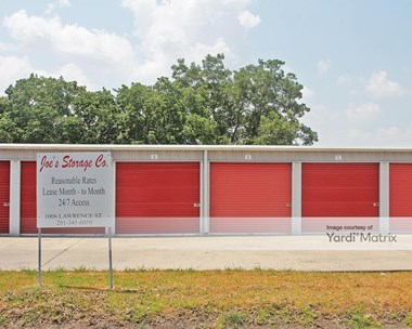 Storage Units for Rent available at 1006-12 Lawrence Street, Rosenberg, TX 77471 Photo Gallery 1