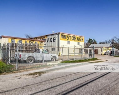 Storage Units for Rent available at 614 West Donovan Street, Houston, TX 77091 Photo Gallery 1