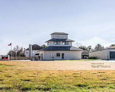 Storage Units for Rent available at 5425 North Fry Road, Katy, TX 77449 Photo Gallery 1