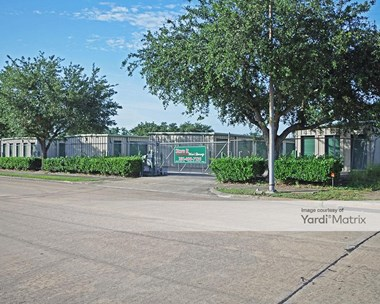 Storage Units for Rent available at 13842 Stafford Road, Stafford, TX 77477 Photo Gallery 1