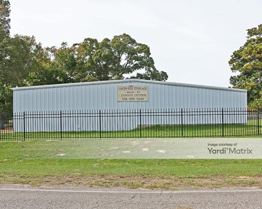 Storage Units for Rent available at 14560 Calvary Road, Willis, TX 77318 Photo Gallery 1