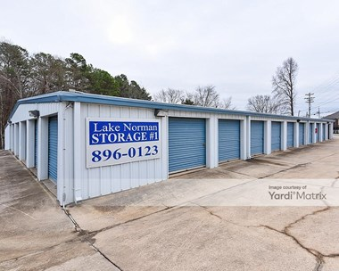 Storage Units for Rent available at 18926 West Catawba Avenue, Cornelius, NC 28031 Photo Gallery 1