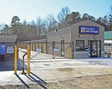 Storage Units for Rent available at 4207 Hilltop Road, Greensboro, NC 27407 Photo Gallery 1