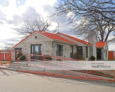 Storage Units for Rent available at 1019 West Rawson Avenue, Oak Creek, WI 53154 Photo Gallery 1